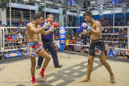 Jamesak fighting at Bangla Boxing Stadium