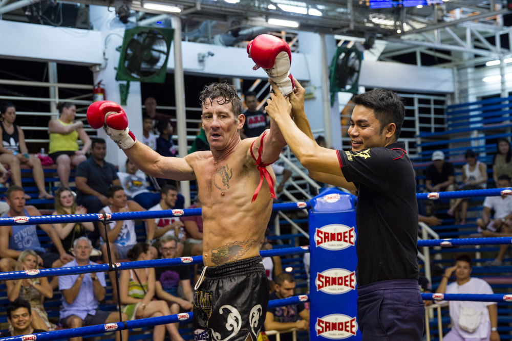 VIDEO | Jingreed Dam & David Helfant fight at Bangla Boxing Stadium
