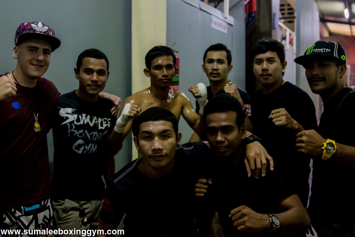 Team Sumalee Boxing Gym Group Photo Muay Thai Fight
